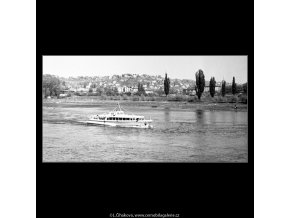 Parník na Vltavě (4510), žánry - Praha 1966 květen, černobílý obraz, stará fotografie, prodej
