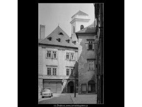 Michalská a věž kostela sv.Michala (5389), Praha 1967 červen, černobílý obraz, stará fotografie, prodej
