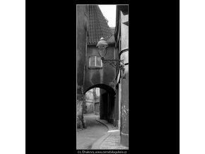 Domek s obloukem (4605-2), žánry - Praha 1966 červenec, černobílý obraz, stará fotografie, prodej