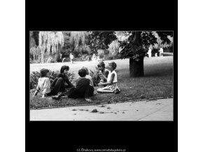 Děti (4658), žánry - Praha 1966 červenec, černobílý obraz, stará fotografie, prodej