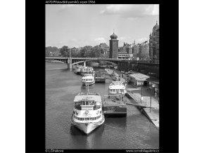 Přístaviště parníků (4670), žánry - Praha 1966 srpen, černobílý obraz, stará fotografie, prodej