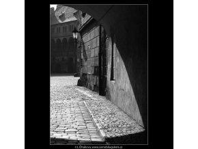Pohled do Ungeltu (4739), žánry - Praha 1966 srpen, černobílý obraz, stará fotografie, prodej