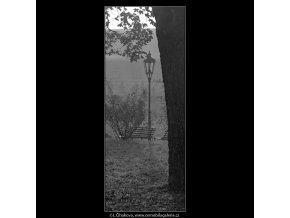 Lampa (5007-1), Praha 1966 prosinec, černobílý obraz, stará fotografie, prodej