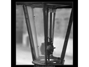 Plynová lampa (5008-2), Praha 1966 prosinec, černobílý obraz, stará fotografie, prodej