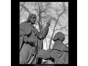 Z malostranského hřbitova (5099-4), Praha 1967 únor, černobílý obraz, stará fotografie, prodej