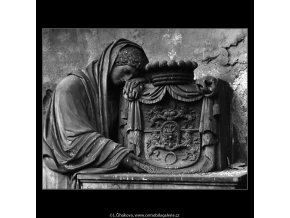 Z malostranského hřbitova (5099-9), Praha 1967 únor, černobílý obraz, stará fotografie, prodej