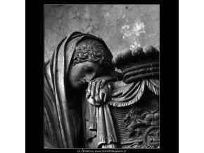 Z malostranského hřbitova (5099-10), Praha 1967 únor, černobílý obraz, stará fotografie, prodej