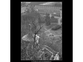 Zahrady pod Hradem (5109), Praha 1967 únor, černobílý obraz, stará fotografie, prodej