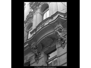 Pražské konzoly (5128), Praha 1967 únor, černobílý obraz, stará fotografie, prodej