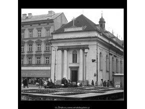Kostel sv.Kříže (5175), Praha 1967 březen, černobílý obraz, stará fotografie, prodej