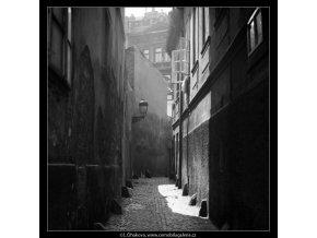Patníky ve Stříbrné uličce (6494), Praha 1969 červenec, černobílý obraz, stará fotografie, prodej