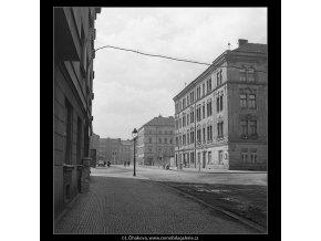 Domy před zbouráním či rekonstrukcí (5196-67), Praha 1967 březen, černobílý obraz, stará fotografie, prodej
