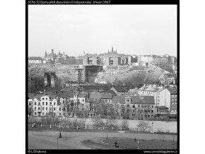 Domy před zbouráním či rekonstrukcí (5196-72), Praha 1967 březen, černobílý obraz, stará fotografie, prodej