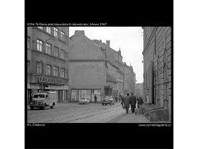 Domy před zbouráním či rekonstrukcí (5196-76), Praha 1967 březen, černobílý obraz, stará fotografie, prodej