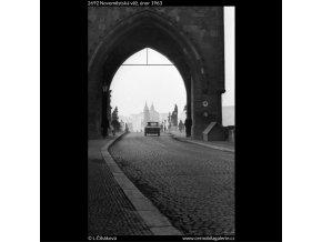 Novoměstská věž (2692), Praha 1963 únor, černobílý obraz, stará fotografie, prodej