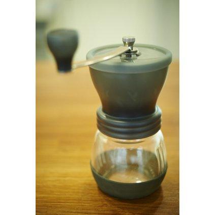 Hario Skerton ruční mlýnek na kávu, nastavitelná hrubost mletí
