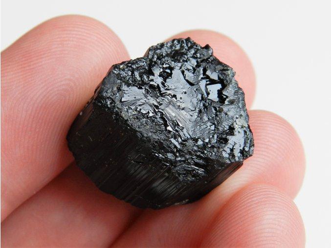 cerny turmalin skoryl mistrovsky krystal samolecitel cesky drahokam obrazek 1