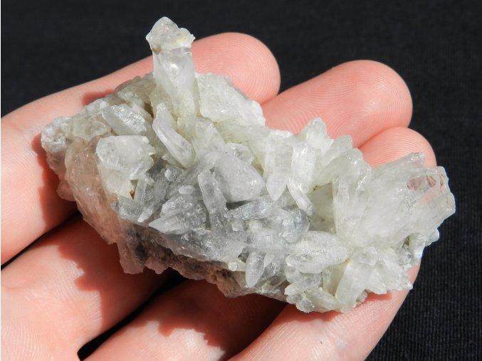 kristal druza prirodni kamen slovensko sobov banska stiavnice obrazky 1