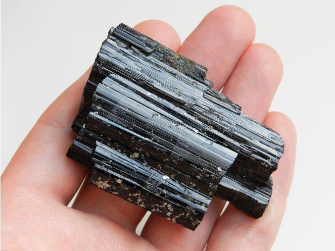 cerny turmalin skoryl velky sbirkovy kamen vysocina cesky cr obrazky 1