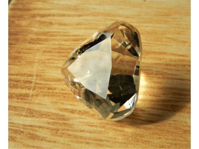 citrin brouseny kamen pravy facetovy brus vybrus vysocina obrazky 1
