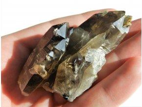 Fantastická drůza krystalů záhněd