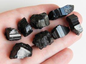 cerne turmaliny skoryly prirodni ceske kameny vysociny obrazky 1