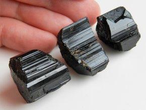 cerne turmaliny skoryly prirodni lecive kameny ceske prave leskle kvalitni kousky obrazky 1