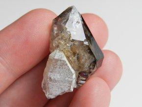 zahneda krystal kourovy prirodni cesky kamen obrazky 1