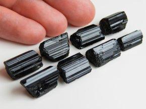 cerne turmaliny skoryly prirodni ceske polodrahokamy kameny elektromagneticke zareni vlneni ochrana 1
