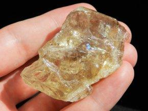 citrin zlaty zluty zbarveny prirozeny odstin cesky mineral obrazky 1