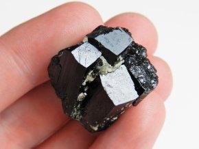 cerny turmalin skoryl stupnovity ukonceny mineral prodej nabidka 1