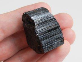 krystal cerneho turmalinu velky vysociny sbirkovy 1