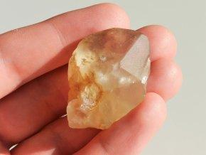 ohlazeny kamen citrin prirodni mineral cesky 1