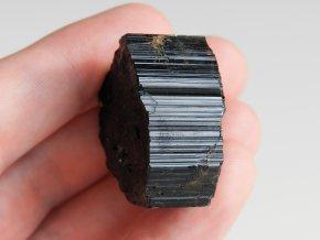 cerny turmalin skoryl prirodni kamen ochrana elektromagnetickym zarenim obrazky 1