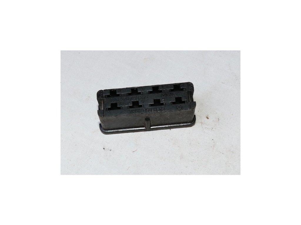 Zásuvka - 8 pólů 3857049078(Jawa 350)
