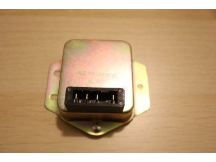 Regulátor polovodičový 12/14V plechový (Jawa 638-640)