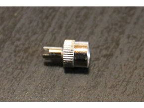Čepička ventilku chromová s klíčkem vložky