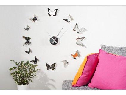 Moderní hodiny na zeď - Motýl