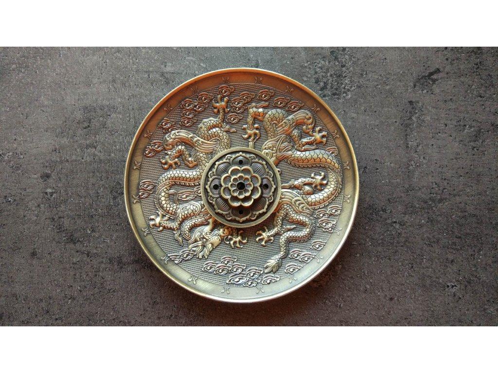 Stojánek na vonné tyčinky kovový se symboly draků 1