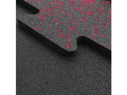 Červená gumená podlaha puzzle