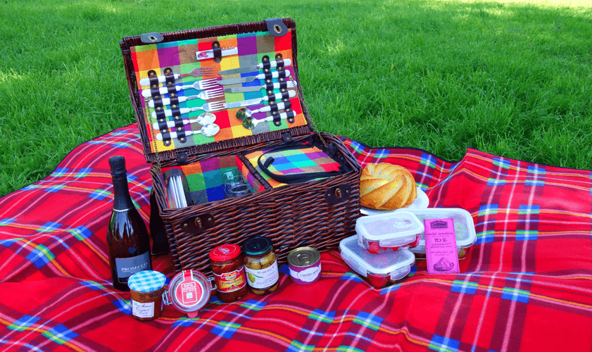 Víte, co vše je potřeba na piknik?