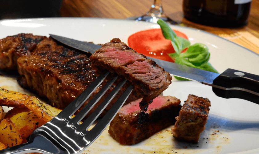Jak správně vybrat steakové nože?