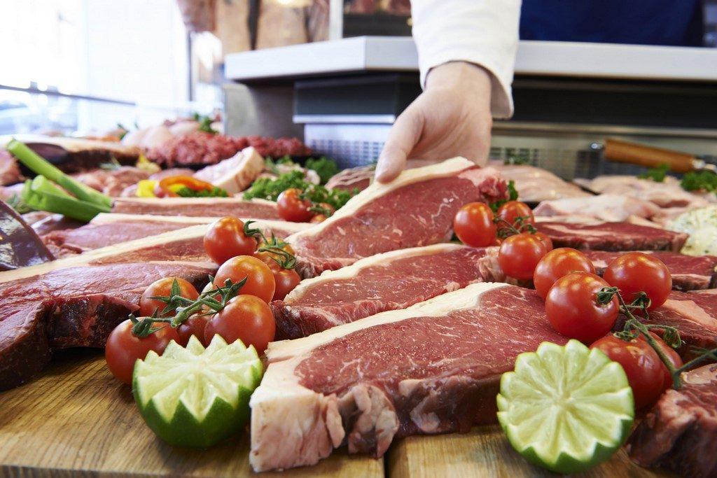 Kde sehnat nejlepší maso na steaky – tipy, kam zajít a podle čeho vybírat