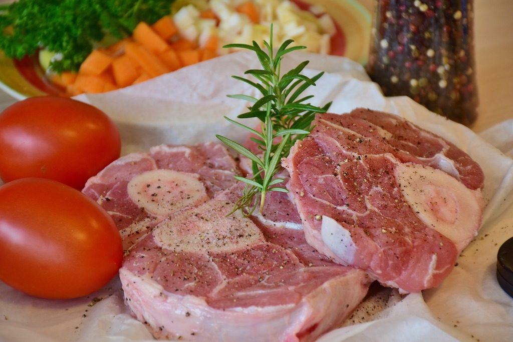 Telecí maso: Jak chutná a jak ho využít v kuchyni?