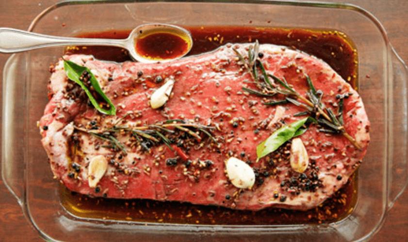 3 marinády na mäso podľa Jamieho Purvianca pre Weber