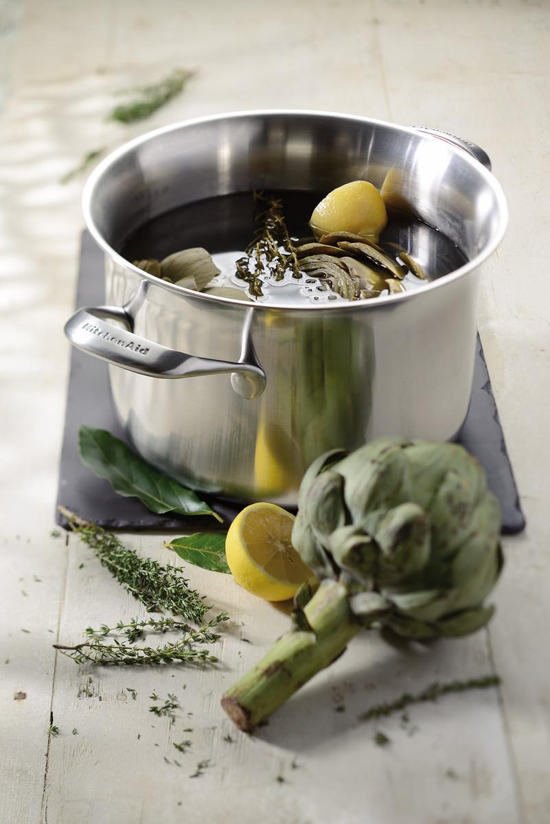 KitchenAid nerezový hrniec s poklicí s měděným jádrem 7,6l,24 cm
