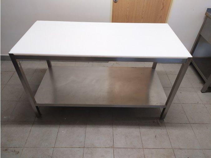 Stůl s plastovou deskou (1500x700x850)