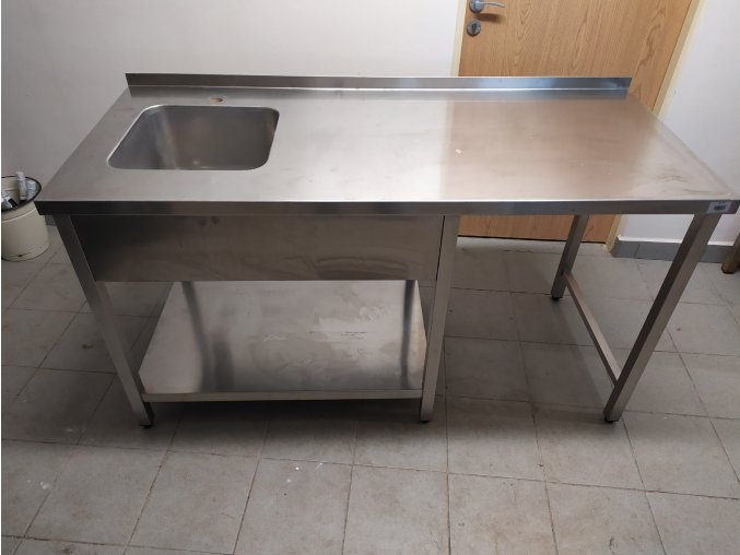 Stůl s dřezem (1650x700x900)