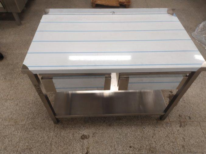 Stůl (1200x700x850)