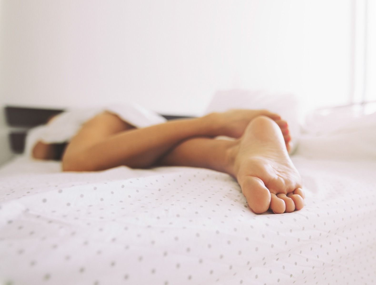 feet-of-a-sleeping-woman-PJMMLDE